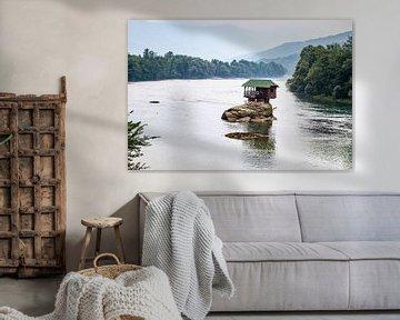 Huisje op Drina van Eric van Nieuwland