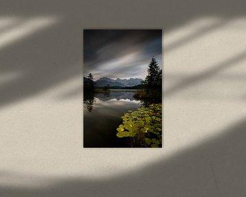 Morgens am Barmsee mit Blick zum Karwendelgebirge von Andreas Müller