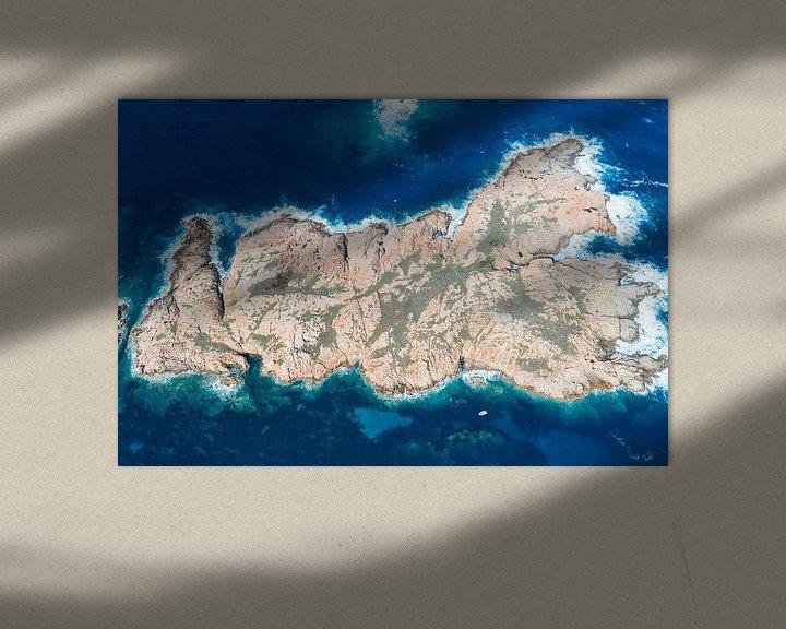 Sfeerimpressie: Love eiland voor de kust van Sardinië van Bernardine de Laat