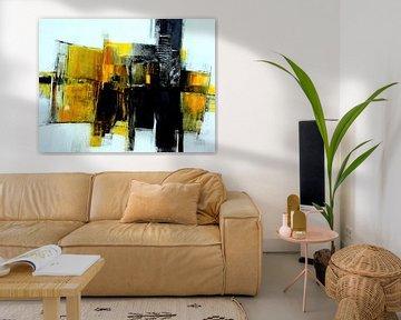 Abstrakt in Honiggelb von Claudia Neubauer