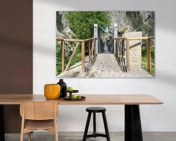 pont suspendu en bois à Zuheros en Espagne