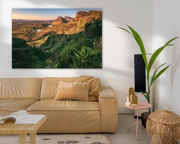 Schotland Isle of Skye De Quiraing Sunrise van Jean Claude Castor