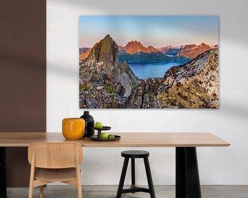 Magisch panorama met de berg Segla in Noorwegen