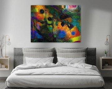 Moderne, abstrakte digitale Kunstwerke in Orange, Gelb, Grün und Schwarz von Art By Dominic