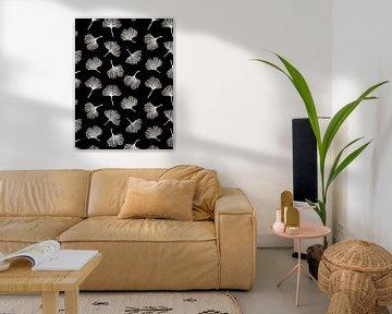 Gingko biloba blaadjes op zwart van Karin van der Vegt