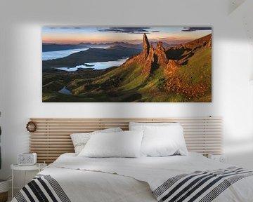 Schotland Old Man of Storr Panorama in het ochtendgloren van Jean Claude Castor