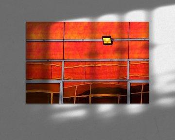 Spiegelung in Orange von Pauli Langbein