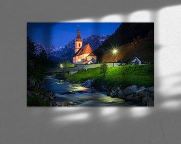 Blauw uur in Ramsau van Martin Wasilewski