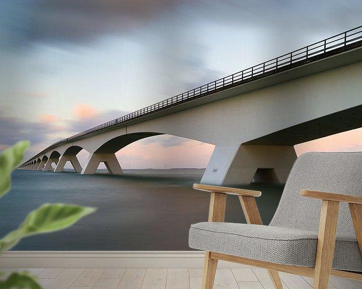 Sfeerimpressie behang: Zeelandbrug bij vloed van Jan Jongejan