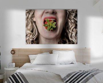 Strawberry bite von Edward Draijer