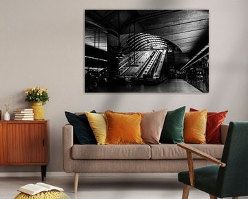 Schwarz-Weißer Londoner Metro Kanarienvogel von Mark de Weger