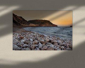 Strand in Spanje bij Zonsondergang van Erik Groen