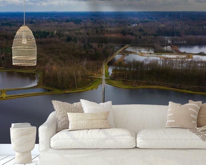 Sfeerimpressie behang: Fietsen door water van Johan Mooibroek