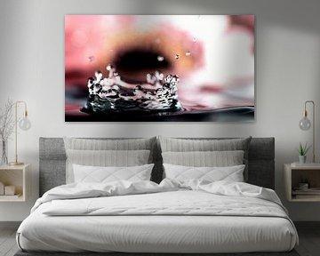 Eine Krone aus Wasser, der Regen färbt die Welt in einem prächtigen Schauspiel von Studio de Waay