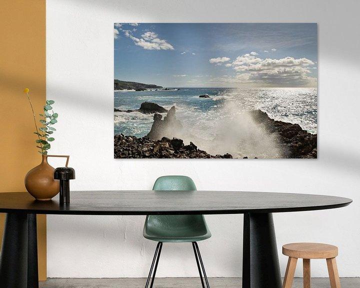 Beispiel: Gischttropfen einer Welle am Steinstrand von Ralf Lehmann