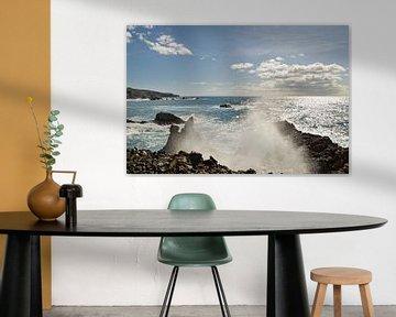 golfstraal op een rotsachtig strand van Ralf Lehmann