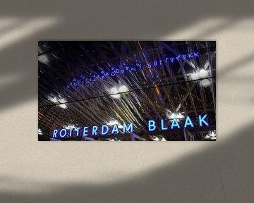 Rotterdamer Blaak in der Nacht von Erik Groen