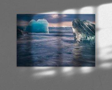 Islande, Diamond Beach, icebergs sur la plage sur Gert Hilbink