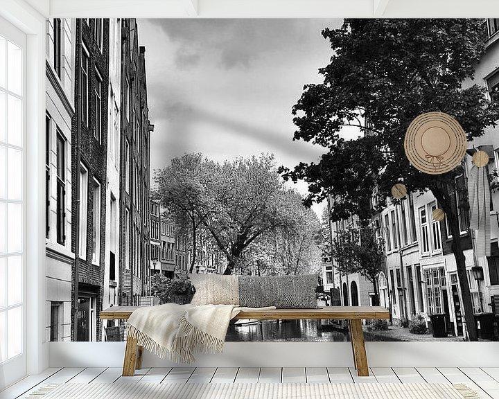 Sfeerimpressie behang: Voorjaaraan de gracht  in Utrecht van Jasper van de Gein Photography
