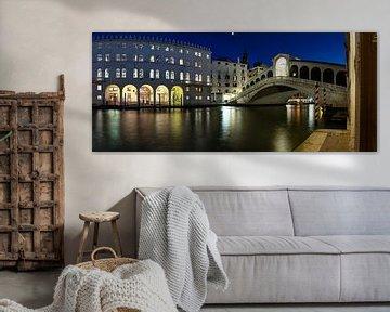 Nachts an der Rialtobrücke (Venedig)