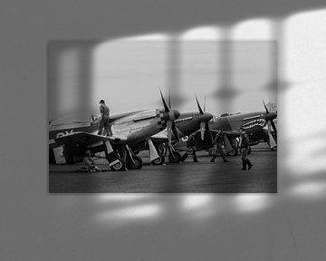 Nordamerikanische P51D's auf dem Flugplatz von Robbert De Reus