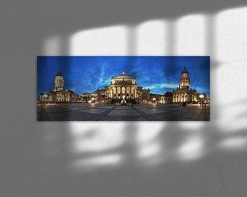 Panorama du Gendarmenmarkt à l'heure bleue