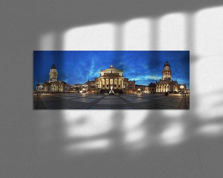 Sfeerimpressie: Gendarmenmarkt Panorama op het blauwe uur van Frank Herrmann