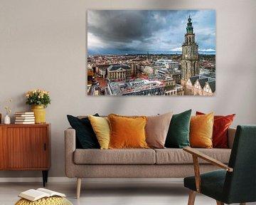 Regenbui trekt over de stad Groningen van Evert Jan Luchies