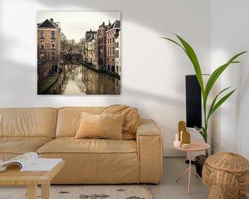 Zicht op de Oudegracht in Utrecht vanaf de Maartensbrug (vierkant)