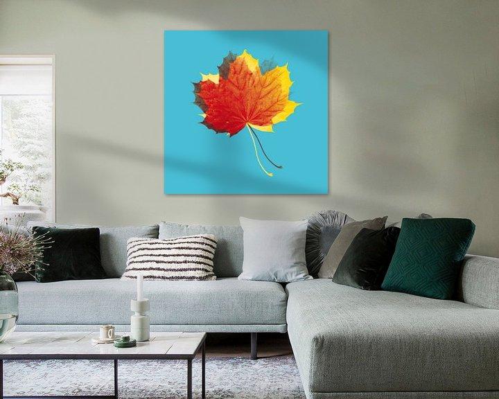 Beispiel: Herbstblätter in Rot und Gelb auf Blau von > VrijFormaat <