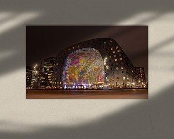 Rotterdamer Markthalle bei Nacht von Arthur Scheltes