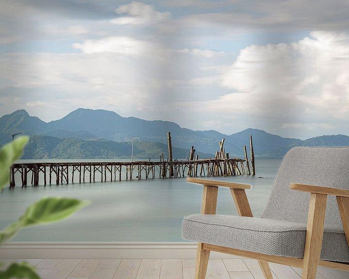 Sfeerimpressie behang: Pier op Koh Wai van Johan Zwarthoed