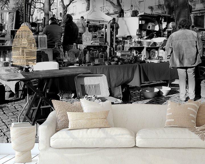 Sfeerimpressie behang: Rommelmarkt vijftiger jaren van Inge Hogenbijl