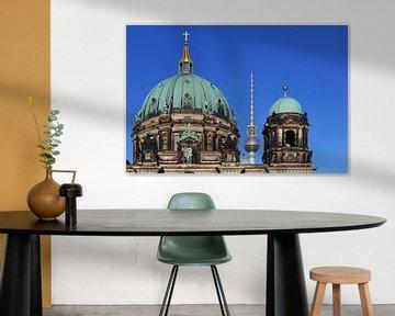 Le dôme de la cathédrale de Berlin et la tour de télévision