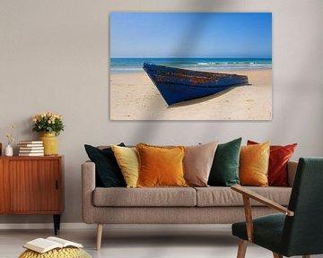 Bateau à rames sur la plage