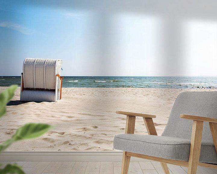 Sfeerimpressie behang: Strandkorb aan zee van Frank Herrmann