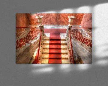 Palazzo Nicolaci , Treppenhaus mit roter Treppe, Noto, UNESO Weltkulturerbe, Vale di Noto, Provinz S von Torsten Krüger
