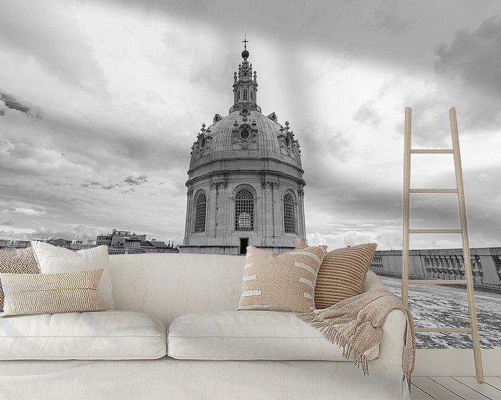 Sfeerimpressie behang: Het dak van Basílica da Estrela in Lissabon Stad in Portugal van MS Fotografie   Marc van der Stelt