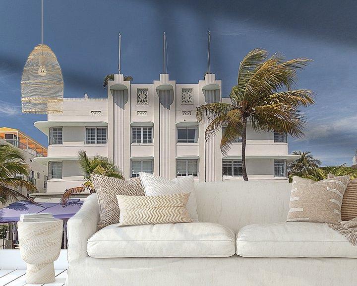 Sfeerimpressie behang: Miami Beach IV van Michael Schulz-Dostal