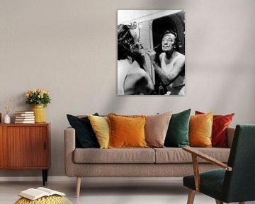 Salvador Dali coupant sa moustache sur Bridgeman Images