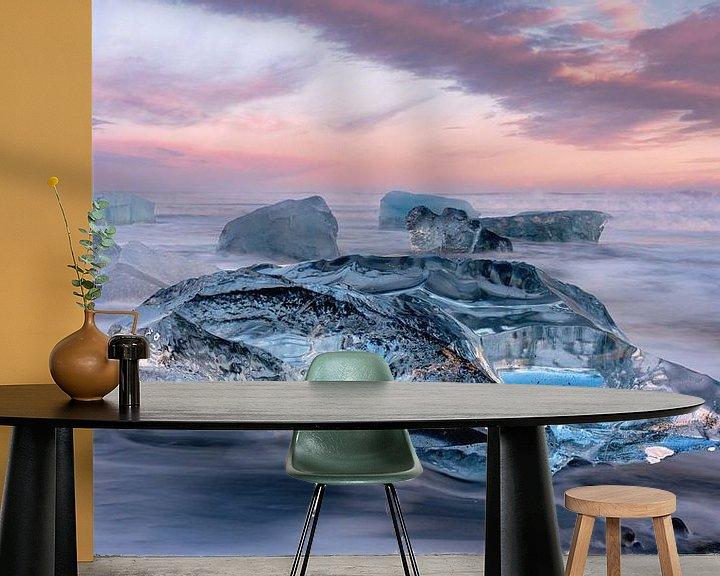 Sfeerimpressie behang: Diamond Beach, Iceland van Photo Wall Decoration