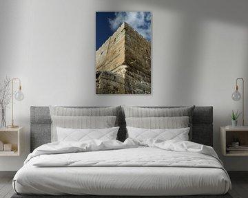 Eine alte Mauer aus der Zeit des zweiten Tempels. Tempelberg, Jerusalem, Israel, antike Mauern, blau von Michael Semenov
