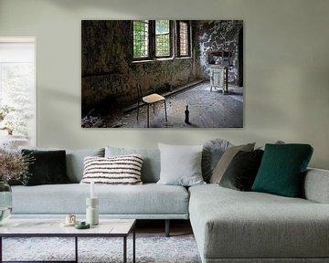 Gemütliche Fernsehecke in einem verlassenen Gebäude von Frank Herrmann