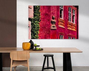 Prag - Rotes Haus mit Büste von Wout van den Berg
