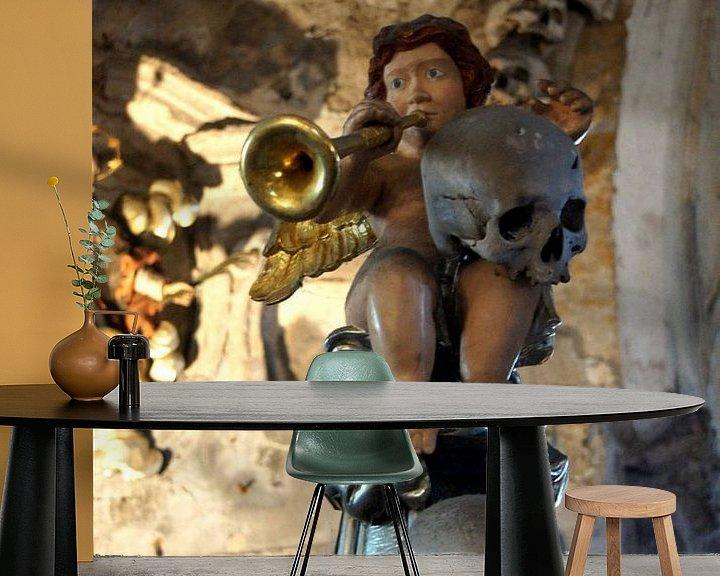 Sfeerimpressie behang: Gabriel blaast haar trompet van Anita Snik-Broeken