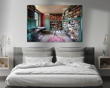 Verlaten Bibliotheek met Boeken. van Roman Robroek