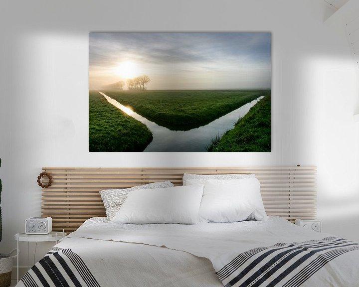 Sfeerimpressie: Uitgestrektheid van een  Hollandse polderlandschap tijdens zonsopkomstt van Arthur Puls Photography