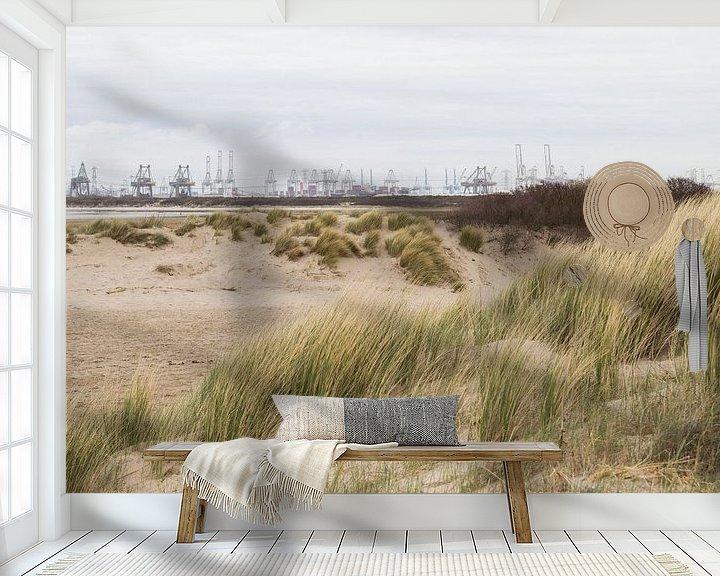 Sfeerimpressie behang: Uitzicht op de 2e Maasvlakte vanaf strand Oostvoorne van André Hamerpagt