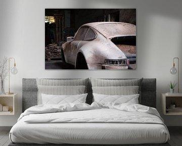 Verlaten Porsche in Garage. van Roman Robroek