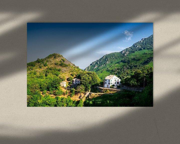 Sfeerimpressie: Huis in Corsicaanse bergen van Youri Mahieu